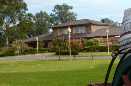 Carriage House Motor Inn - Accommodation Yamba