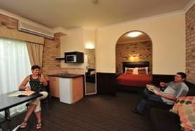 Highlander Motor Inn And Apartments - Accommodation Yamba