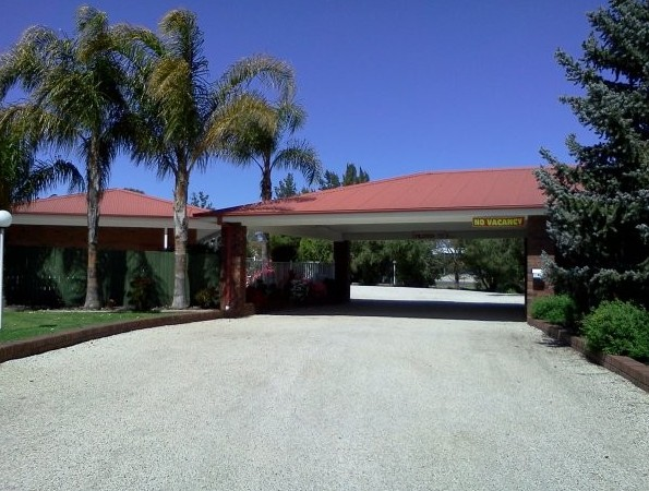 Golden Chain Border Gateway Motel - Accommodation Yamba