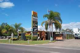 Queens Beach Motor Hotel - Accommodation Yamba