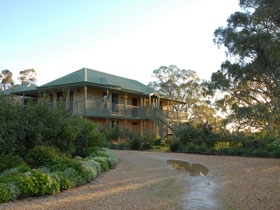 Lindsay House - Accommodation Yamba