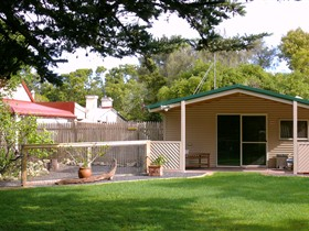 Shiralea Country Cottage - Accommodation Yamba