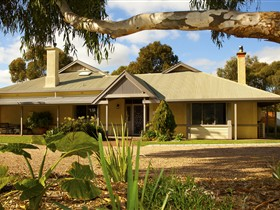 Whistler Farm - Accommodation Yamba