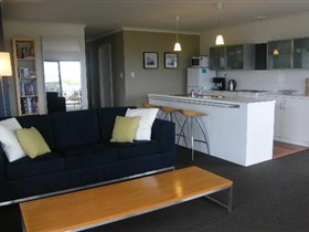 Coorong Waterfront Retreat - Accommodation Yamba