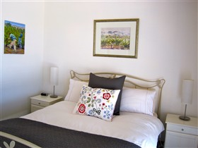 ArtWine Cottages - Accommodation Yamba