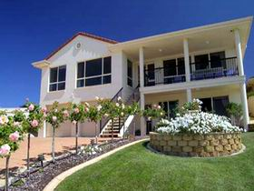 Scenic Encounter Bed and Breakfast - Accommodation Yamba