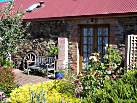 Evandale Stables Accommodation - Accommodation Yamba