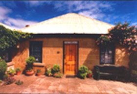 Hamilton's Cottage Collection and Country Gardens - Victorias Cottage - Accommodation Yamba
