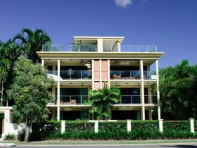 Cairns Beachfront Apartment - Accommodation Yamba