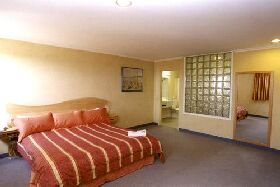 Lighthouse Hotel - Accommodation Yamba