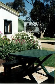 Dunalan Host Farm Cottage - Accommodation Yamba