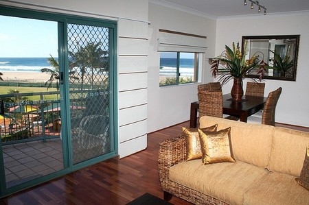 Currumbin Sands on the Beach - Accommodation Yamba
