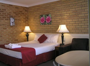 Blue Violet Motor Inn - Accommodation Yamba
