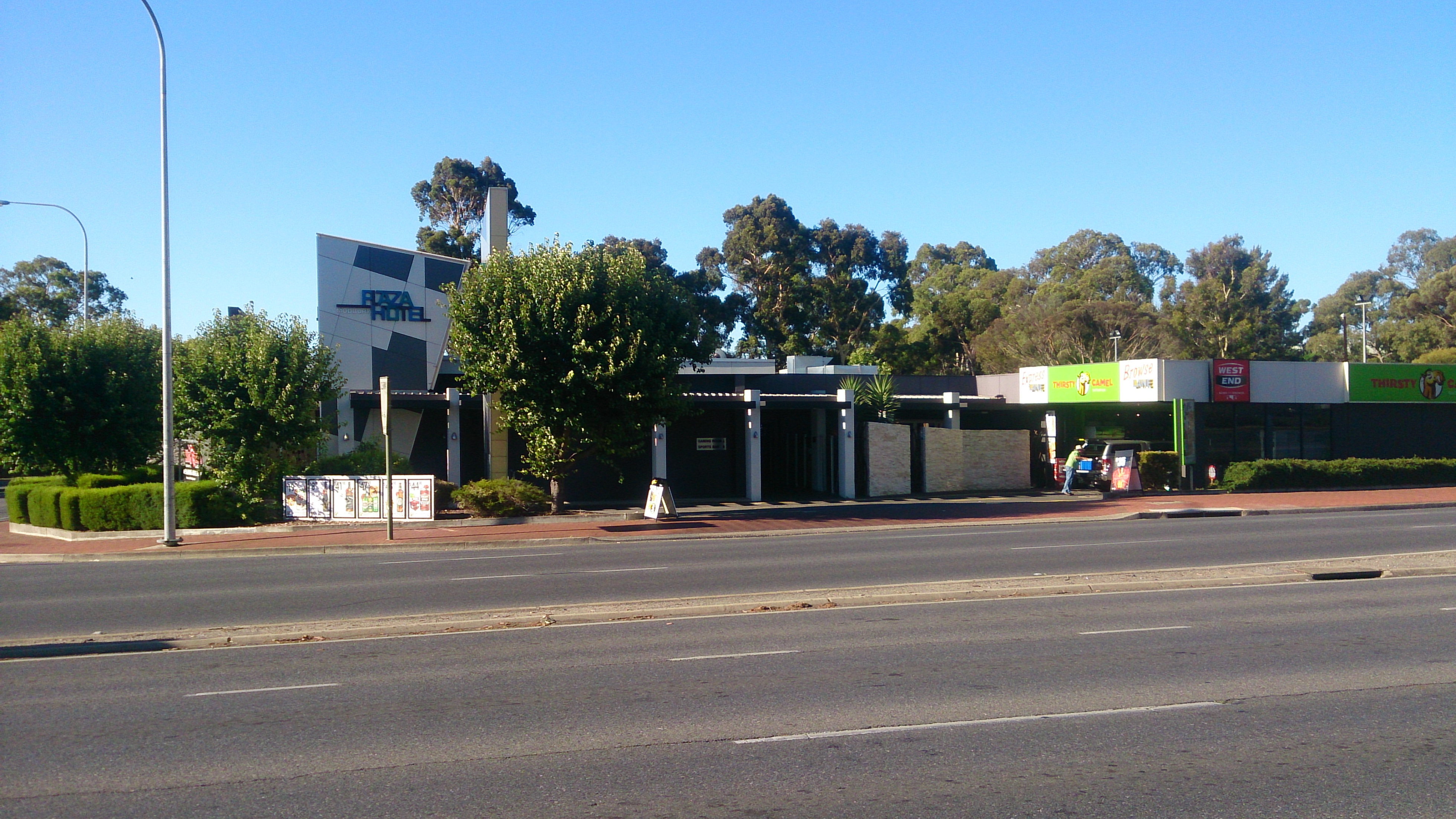 Modbury Plaza Hotel - Accommodation Yamba