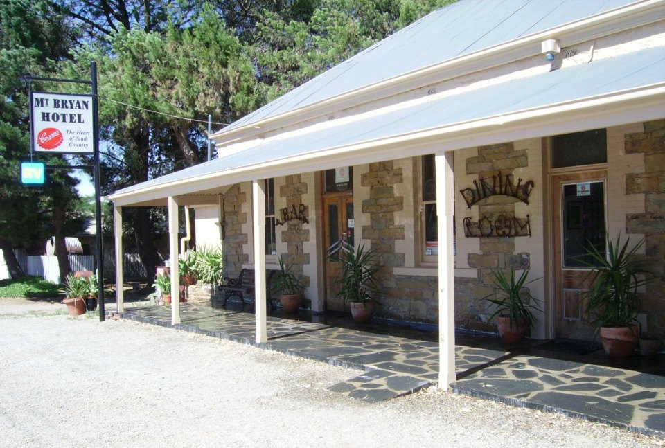 Mount Bryan Hotel - Accommodation Yamba