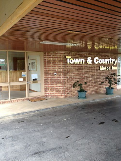 Town amp Country Motor Inn Forbes - Accommodation Yamba