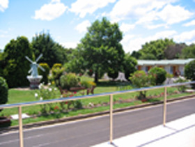 Golden Chain Beachway Motel and Restaurant - Accommodation Yamba