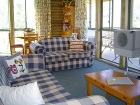 Myrtle Creek Cottages - Accommodation Yamba