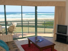 Currumbin Sands Holiday Apartments - Accommodation Yamba