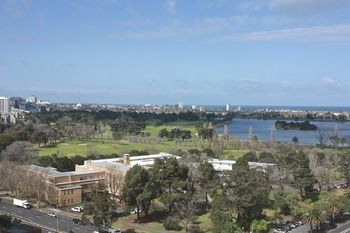 Apartments Melbourne Domain - South Melbourne - Accommodation Yamba