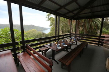 Pittwater YHA - Hostel - Accommodation Yamba