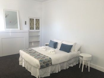 Newcastle Accommodation Tighes Hill - Accommodation Yamba