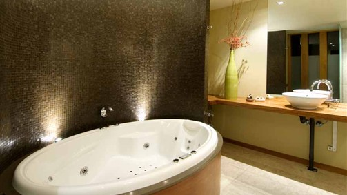 Hepburn Spa Pavilions - Saffron - Accommodation Yamba