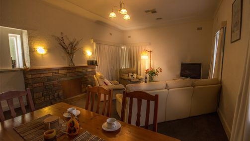 Benson House and Benson Lodge - Accommodation Yamba