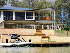 Cascades on the River - Accommodation Yamba