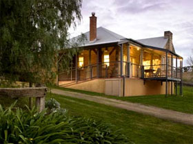 Longview Vineyard Homestead - Accommodation Yamba