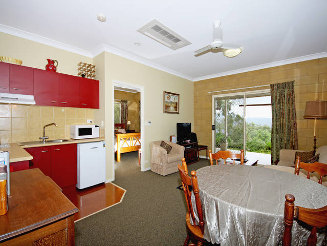Wallaby Ridge Retreat - Accommodation Yamba