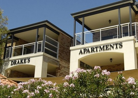 Drakes Apartments with Cars - Accommodation Yamba