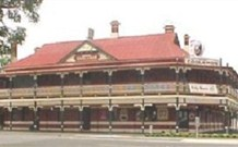 The New Coolamon Hotel - Coolamon - Accommodation Yamba