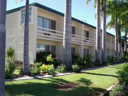 Palm Waters Villa - Accommodation Yamba