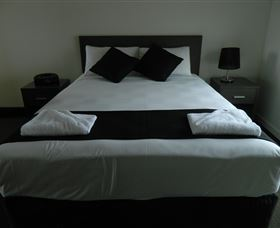 Dooleys Tavern and Motel Capella - Accommodation Yamba