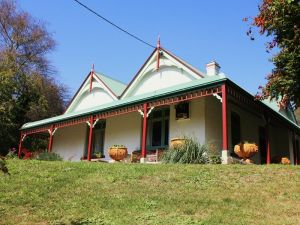 Ravenscroft and The Cottage - Accommodation Yamba