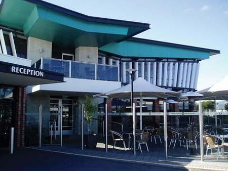 Highlander Hotel Bar Kitchen Rooftop - Accommodation Yamba