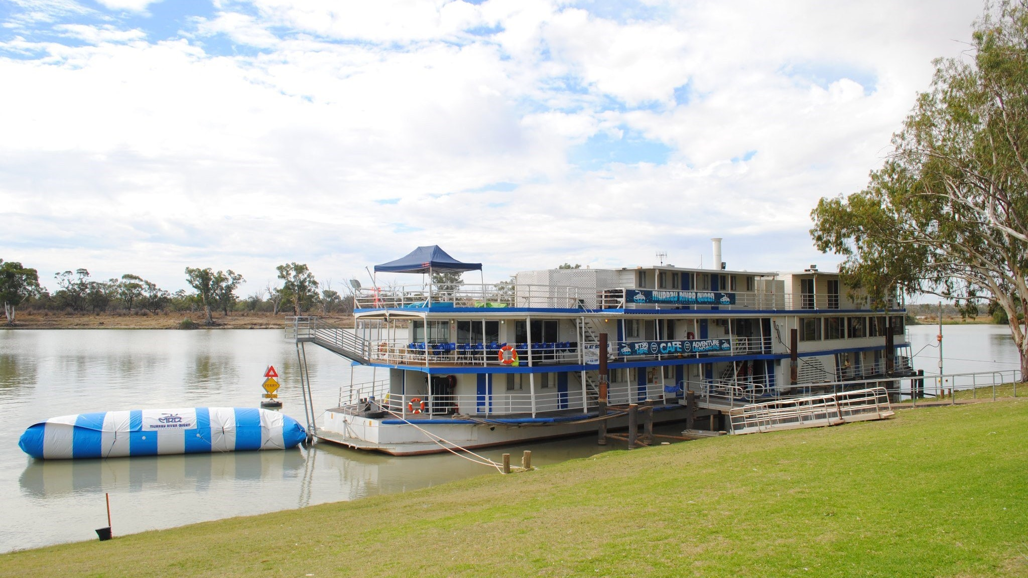 Murray River Queen Backpackers - Accommodation Yamba