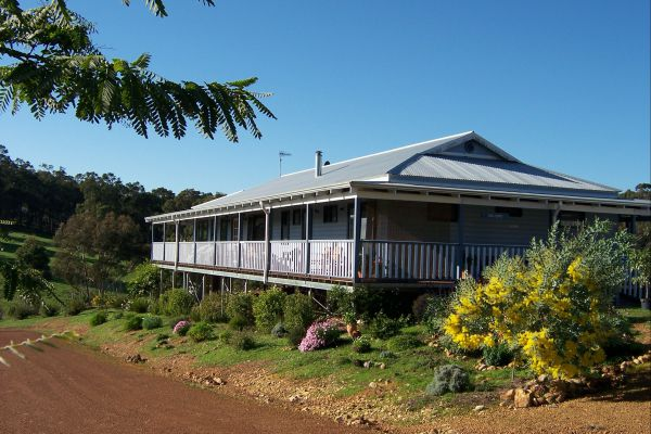 Blue House Bed and Breakfast - Accommodation Yamba