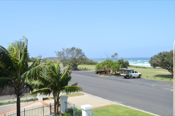 Breakers 1 / 5 at Yamba - Accommodation Yamba