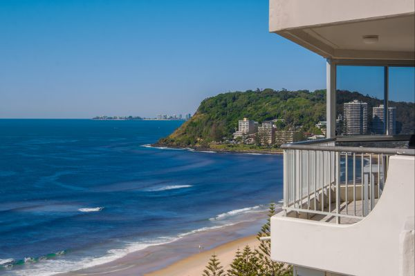 Cashelmara Burleigh Beachfront Apartments - Accommodation Yamba