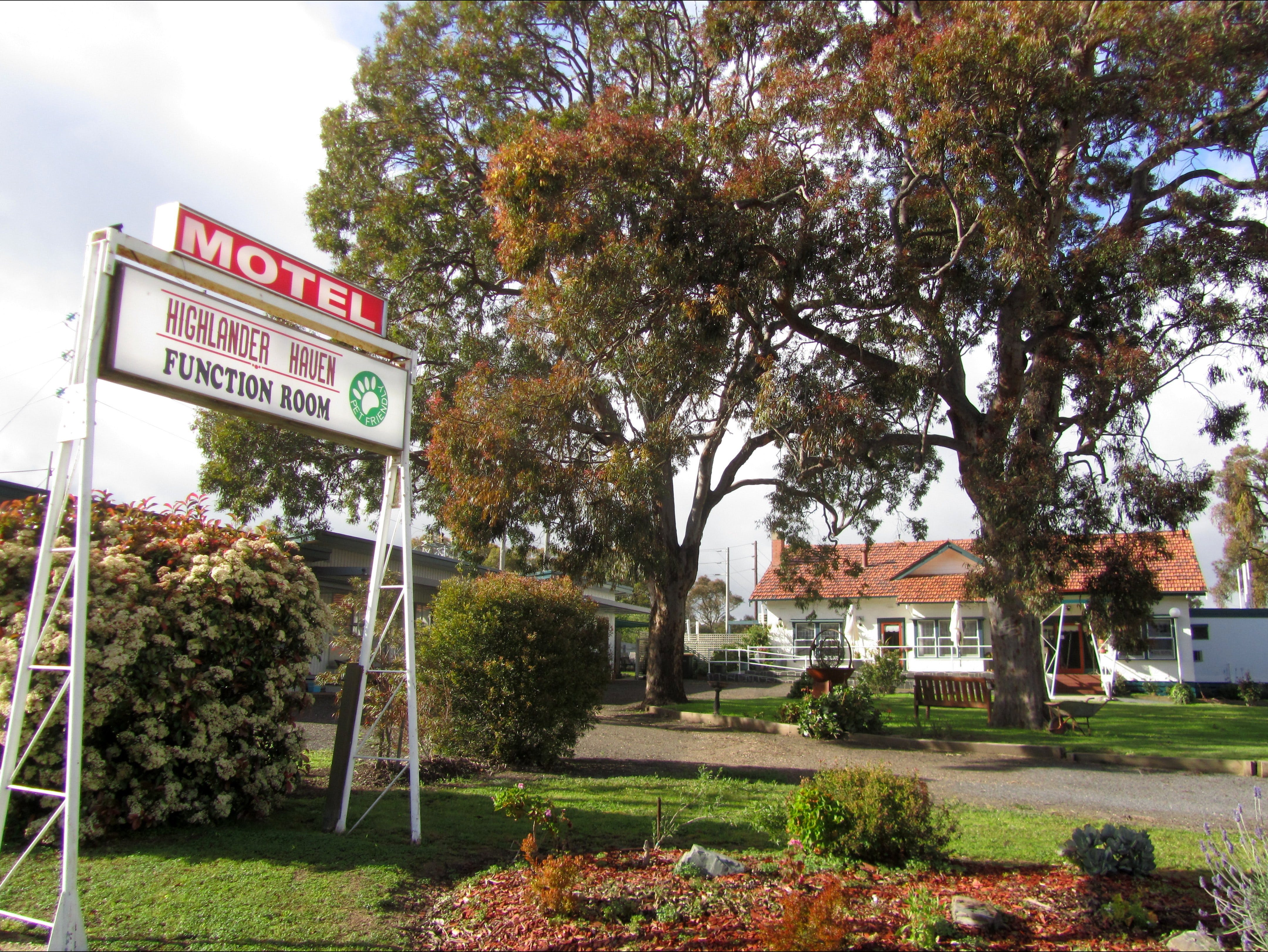 Highlander Haven Motel and Function Centre - Accommodation Yamba