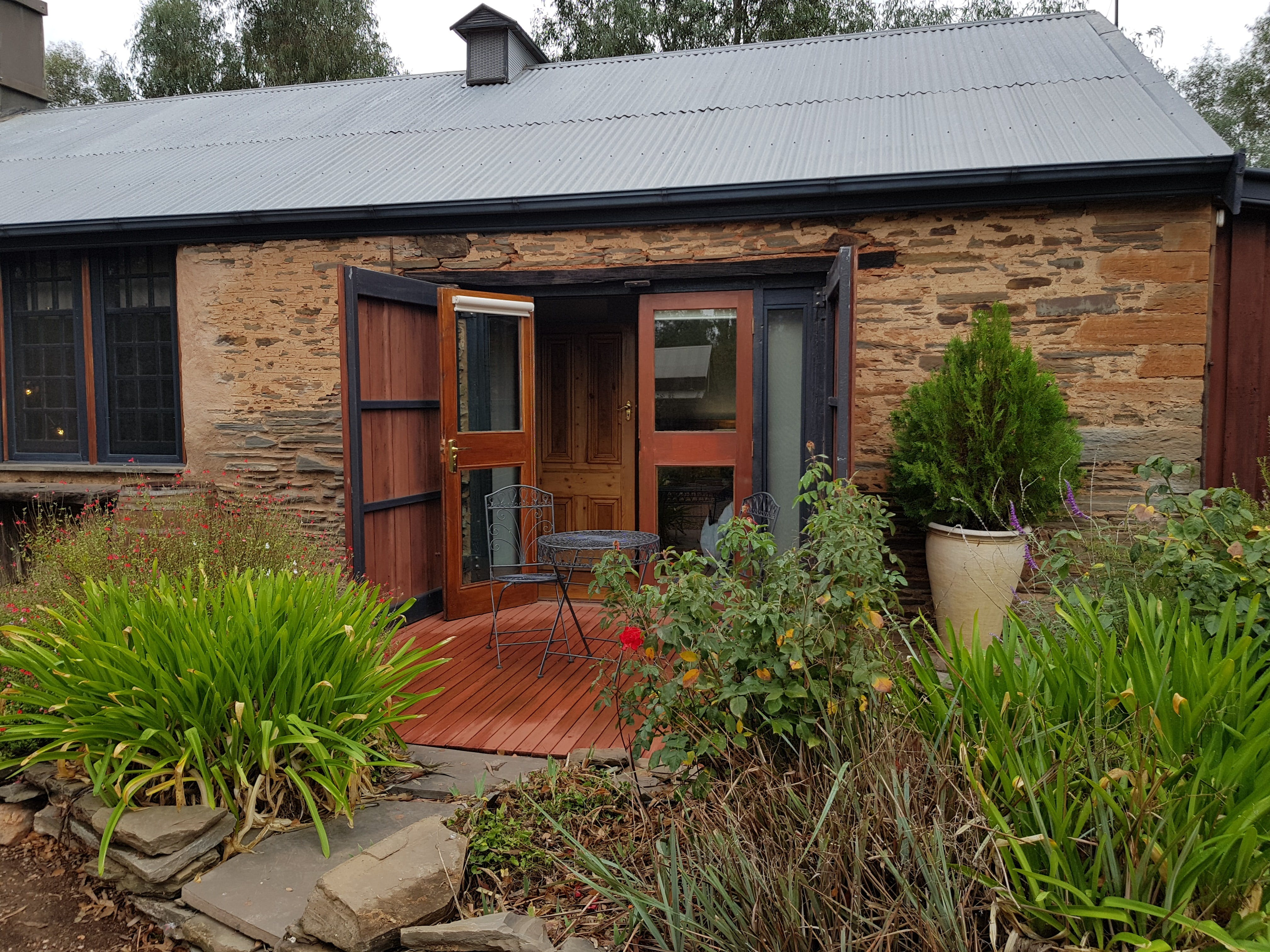 Cypress Studio - Mintaro - Accommodation Yamba