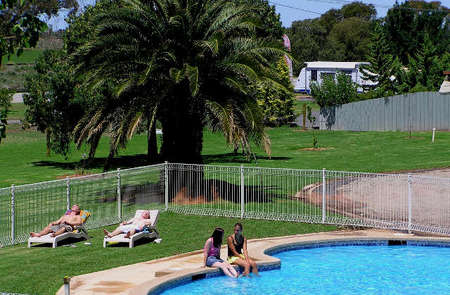 Swan Hill Holiday Park - Accommodation Yamba