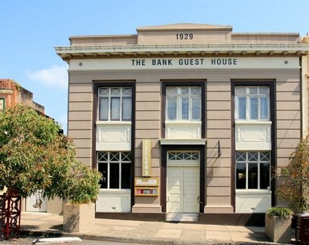The Bank Guest House  Tellers Restaurant - Accommodation Yamba