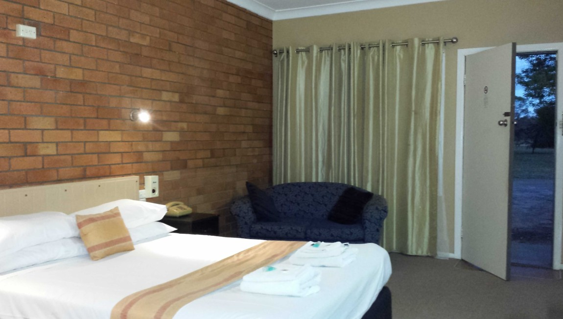 AA Hilldrop Motor Inn - Accommodation Yamba