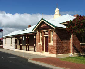 Artgeo Cultural Complex - Old Courthouse - Accommodation Yamba
