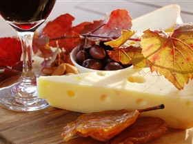 McLaren Vale Cheese and Wine Trail - Accommodation Yamba