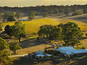 Hutton Vale and Farm Follies - Accommodation Yamba