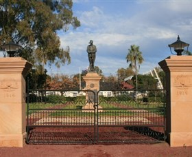Dalby War Memorial and Gates - Accommodation Yamba
